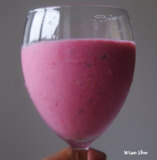 low carb raspberry smoothie