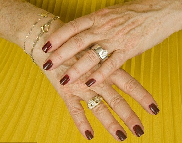 nail paint- why women gain weight with age.