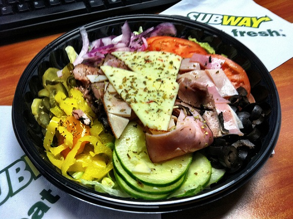 salad- eating healthy at subway