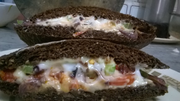 flax bread spicy sandwiches