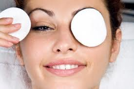 home remedies to keep your eyes sparkling with health