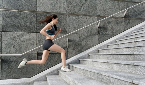 woman-running-up-stairs-190886_w650