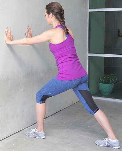 Calf-Stretch Exercises To Prevent Foot Injuries In Runners