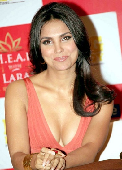 Lara dutta hot fitness weightloss
