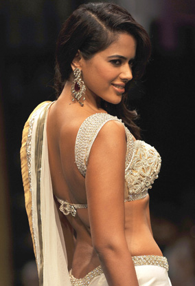 sameera reddy sexy back