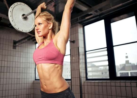 Woman-Lifting-Weight building lean muscle