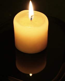 How to practice candle meditation