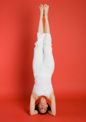 Top 5 Yoga Postures To Build Muscles-headstand