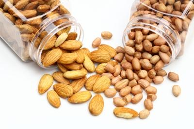 almonds vs peanuts