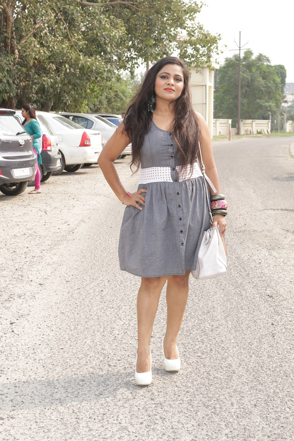 styling-grey-dress